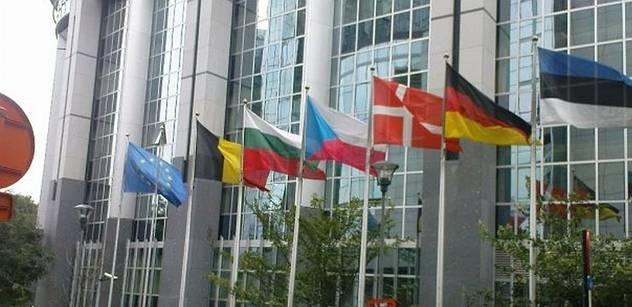 NERV napovídá vládě, jakou politiku zachovat v EU