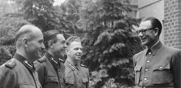 Vlasovci? Stalin je zradil, zřekl se jich. Chtěli porazit SSSR, aby se uzdravené Rusko dohodlo s obrozeným Německem, říká historik