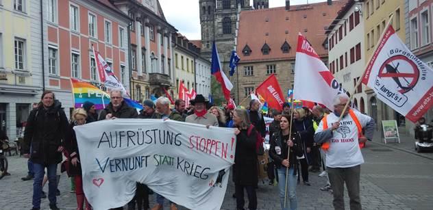 """Čeští komunisté vyrazili do Bavorska """"navštívit"""" americké vojáky. Bylo u toho veselo, máme FOTO"""