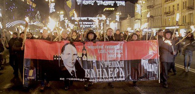 """FOTO """"Třikrát sláva velikému Banderovi, vůdci ukrajinského lidu!"""" Nesouhlasíte? Návštěva vám to vysvětlí, slyšeli jsme v Kyjevě"""