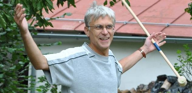 Profesor Hanuš, historik a konzervativec: Dělení na pravici a levici pořád platí. TOP 09 byla módní záležitost, teď je úplně bezradná. Drahoš politice nerozumí