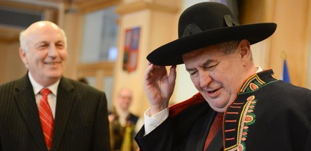 Velezrada, nesvéprávnost, křičí z TOP 09 na prezidenta Zemana. Uznávaný právník je odkazuje do patřičných mezí