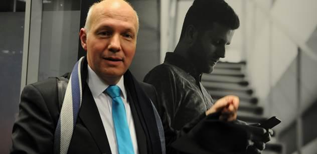 """Pavel Fischer se pasoval do role """"stínového prezidenta"""""""