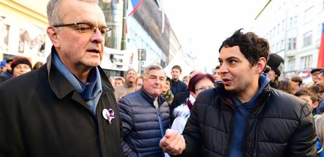 Kalousek se raduje: Poctivec! Nemusí ubytovávat Rusy, pokud oni souhlasí s okupací Krymu