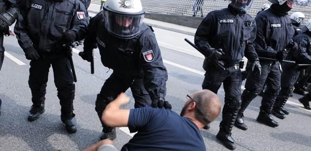 FOTO Bojiště Hamburk. Podívejte se, co se děje vedle summitu G20