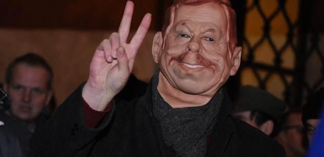 Havel hlásal nesmysly, mladá generace ho odsune na smetiště dějin. Děti listopadu vidí, že udělaly chybu. Podlézavost Kalouska vůči Západu je až trapná, říká spisovatel