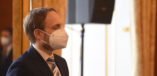 Kulhánek si předvolal velvyslance a předložil požadavky: Všichni čeští diplomati zpět, jinak...