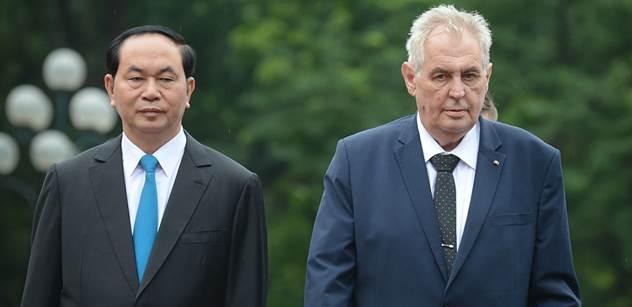 Prezident Zeman chce poslat hradní poklady na výstavu do Moskvy. Zatím žádnou žádost neevidujeme, říká Hermanův úřad