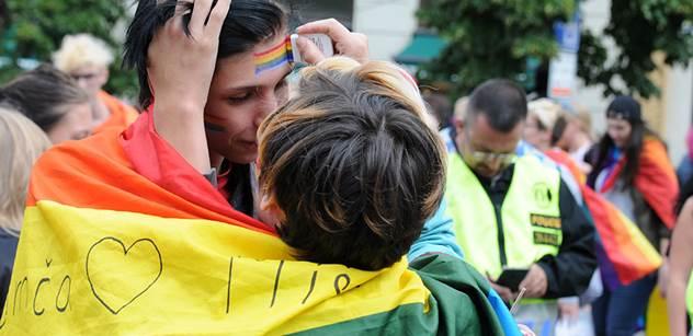 Zkušenosti z Francie: Homosexuálové získali právo na manželství. A další požadavky se jen hrnou. Kdo je proti, je homofob