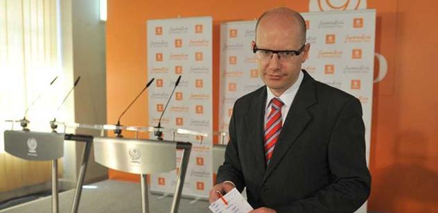 Vedení ČSSD schválilo předsedovi Sobotkovi změny ve stínové vládě