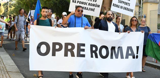 FOTO Romů, kteří pracují. Zeman prý nepostavil ani záchod