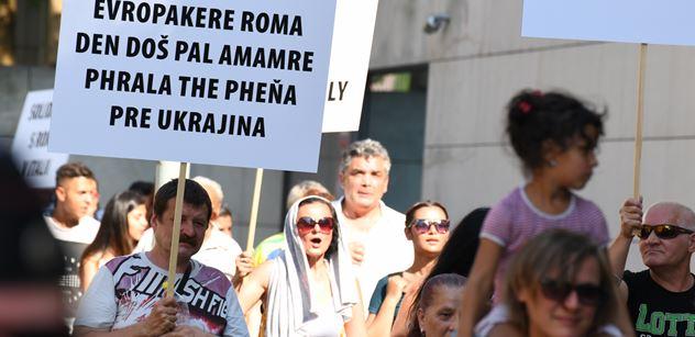 Romské děti na Slovensku porušily karanténu, policisté jim hrozili zastřelením a naložili jim obuškem. Už to má na stole Evropské centrum
