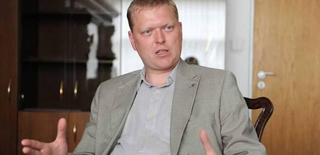 Bělobrádek (KDU-ČSL): Požadujeme vyšetření případu selhávání Registru motorových vozidel
