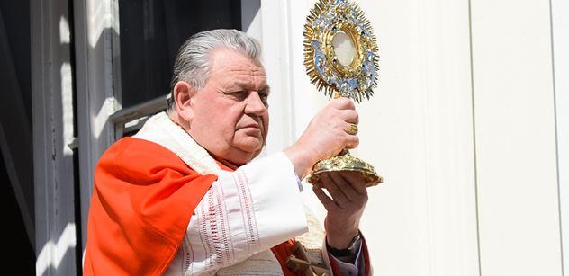 Respekt proškrtal rozhovor s kardinálem Dukou. Teď promluvil právník a Tabery rád nebude