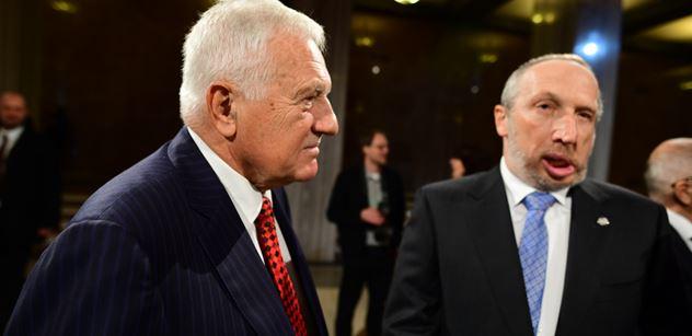 Návrat exprezidenta Klause do politiky? Schwarzenberg se rozpálil: Oba Klausové jsou v české politice potřební jako pazdeří v p...