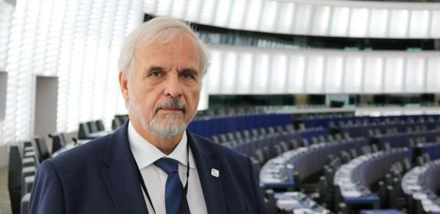 Ivan David z Bruselu: Poprvé v historii jeden členský stát NATO požádal Rusko o pomoc proti jinému státu NATO
