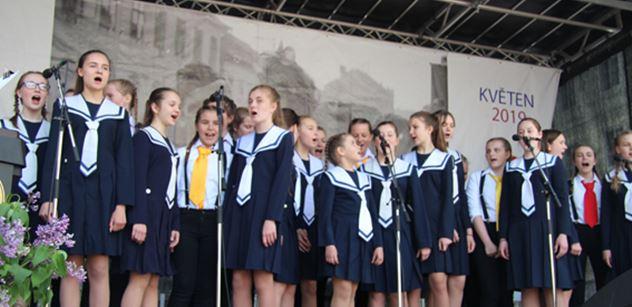Dětské sbory z ČR a RF vystoupily v Praze na oslavu Dne vítězství