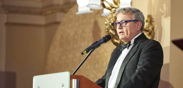 Karel Gott, Barbora Špotáková a další dostali ceny od Vladimíra Dlouhého. Byli jsme u toho