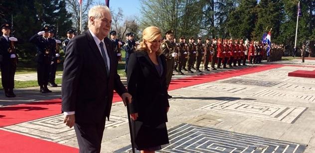 """""""Drahý Miloši,"""" začala Zemanova návštěva Chorvatska. A """"drahý Miloš"""" začal mluvit o Kosovu. Nastal výpadek, zajímavé to bylo i s jídlem"""