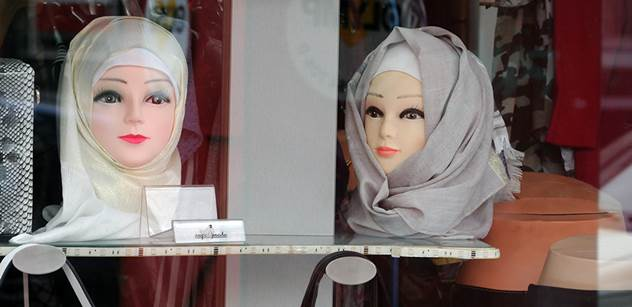 Ve Švédsku to vře. Kvůli sňatkům s nezletilými dívkami mezi muslimy