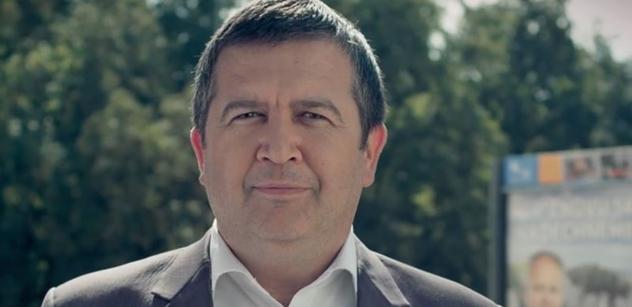 Ministr Hamáček: Navrhuji využít k očkování školy, radnice a kulturní střediska