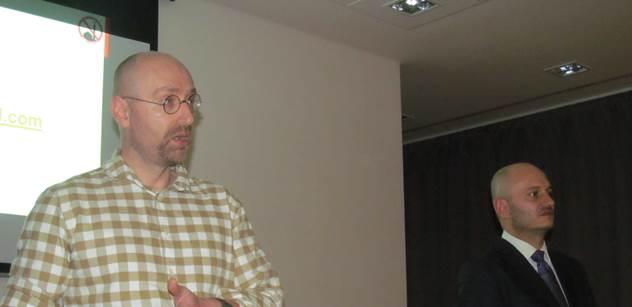 Petr Hampl: Je možné, že se k nám nastěhuje celá Afrika a Blízký východ. Do dvou let hrozí povstání muslimů v Evropě. Zřizujme domobranu