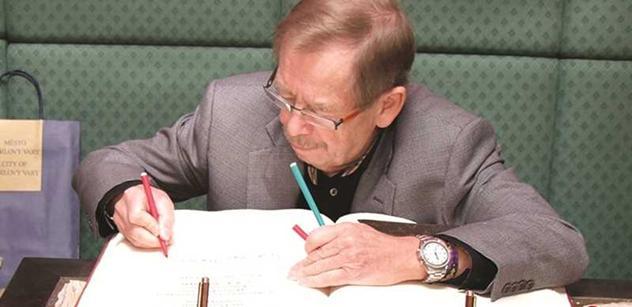 Komentátor Hoffman: Pohřeb politiky. Havel to neměl zapotřebí