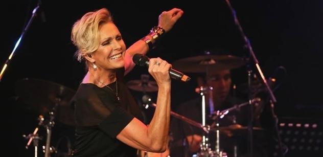 Management zpěvačky Heleny Vondráčkové kvůli vládním opatřením odkládá říjnové koncerty!