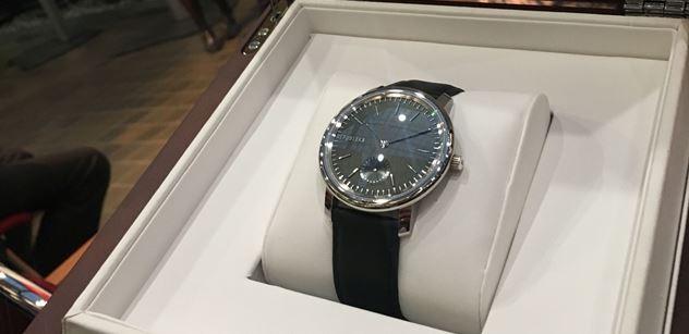 CZECHOSLOVAK GROUP věnoval Národnímu technickému muzeu hodinky z limitované edice PRIM Republika
