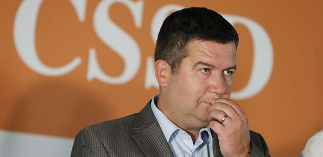 Hamáček: ČSSD souhlasí s výtkami k novele zákona o zastupitelství