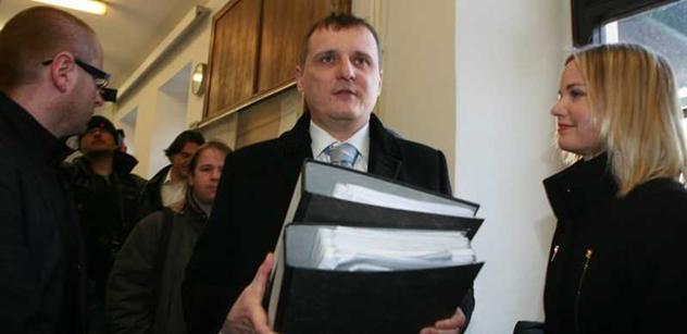Těším se, až budou soudit Kalouska, zlobil se místopředseda VV