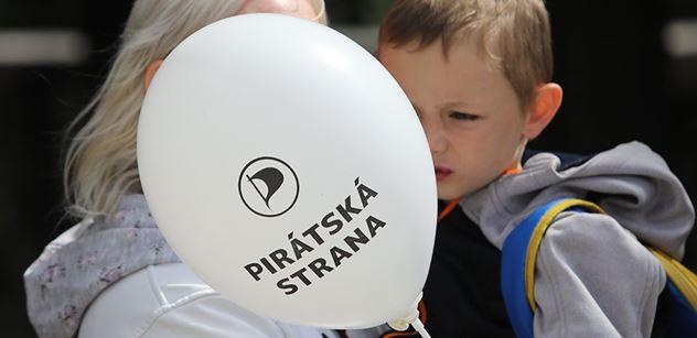 Vyplavalo na povrch: Dva pražští Piráti kandidovali v minulosti za Víta Bártu. Lídryně Pirátů slíbila odpovědi, pak se po ní slehla zem