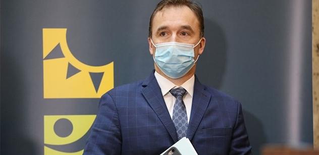 Hnilička a Šlégr dostali za nelegální narozeninovou párty pokutu 10 tisíc