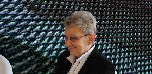 Polská politička ze strany, jejíž šéf byl uvězněn jako ruský agent, promluvila o podezření kolem Čurdové, akci při summitu NATO i o údajných aktivitách George Sorose