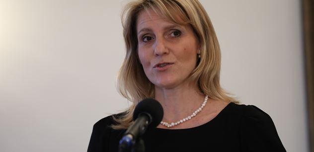 Vládní protidrogová koordinátorka čelí podezření z plagiátorství
