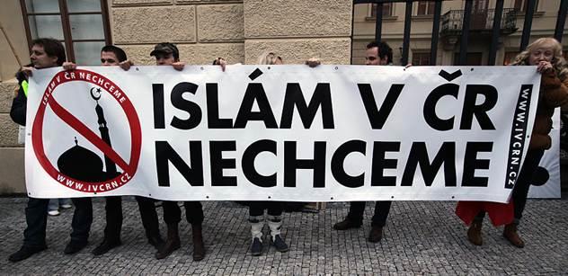Židovský intelektuál podporující Putina, Zemana a Le Penovou: Muslimové jsou nepřáteli českého národa. Chtějí nás vraždit a porobit. Halík patří k nejhorším