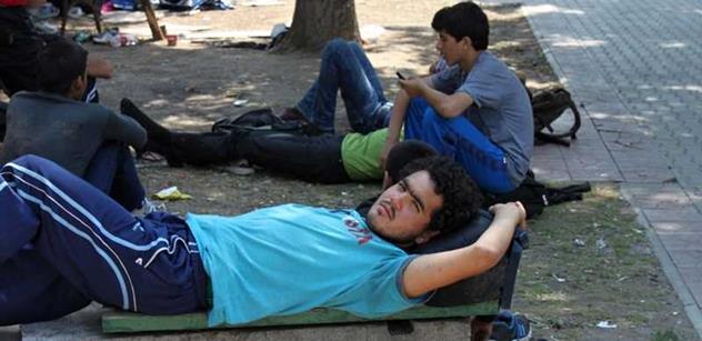 Policie o víkendu chytila rekordní počet migrantů