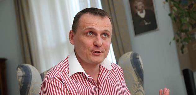 Soud zprostil Víta Bártu obvinění v kauze odposlechů BIS