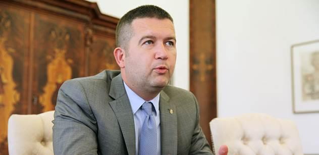 Šéf sněmovny Hamáček pro PL: Nechápu, proč Porošenko dal funkci Saakašvilimu. On dal pokyn k ostřelování. Nesouhlasil jsem s Kosovem, nesouhlasím s Krymem