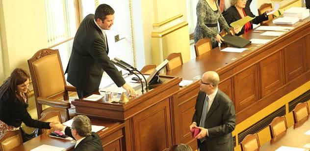 Chudáček Zeman, útočil ve sněmovně Kalousek. A nebyl sám