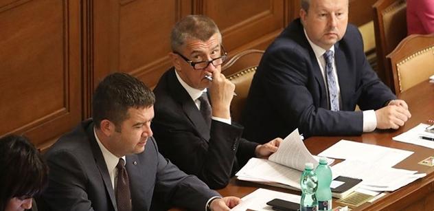 Podle ANO a ČSSD by státní tajemníci mohli být odvoláni vládou
