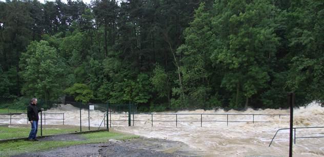 Sčítají se škody po povodních. Kraje hlásí přes 15 miliard