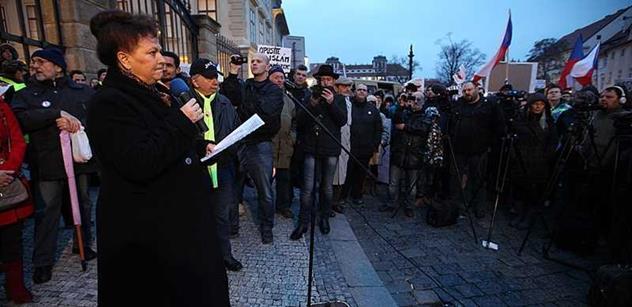 Pegida chudých. Tak hlas z Babišových novin označuje české demonstranty proti islámu