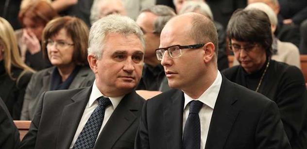 Zemanův kancléř Mynář se rozčílil na šéfa ČSSD: Vy máte ale žaludek