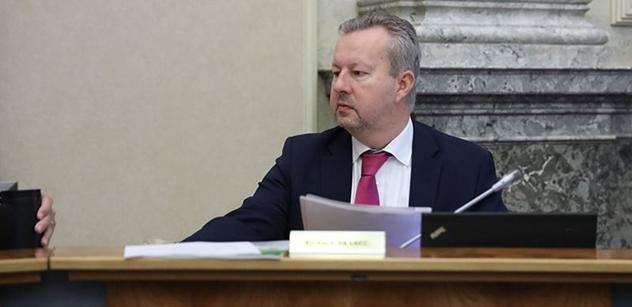 Ministr Brabec burcuje občany. Sucho není normální, musíme s ním něco dělat