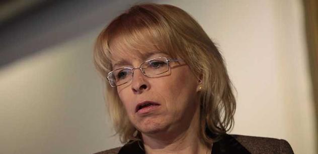 Advokátka Marvanová: Ukradli nám stát. O všem rozhodují zločinci