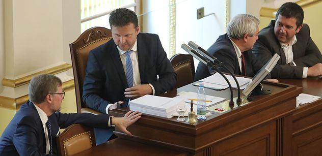 Vondráček promluvil o srpnovém výročí: Neuvěřitelná vulgárnost demonstrantů