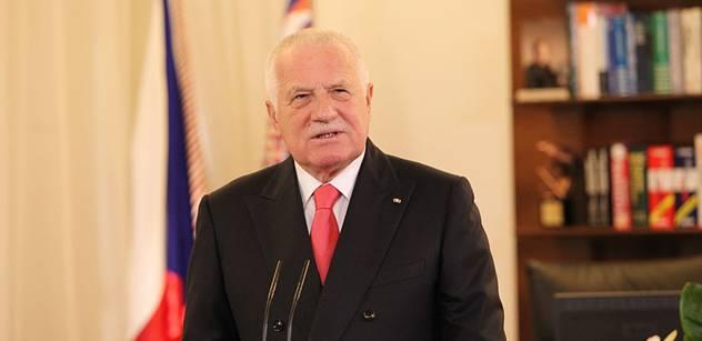 Novinář z Respektu objevil, že Václav Klaus je těžce závislý