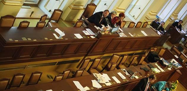 Vláda bude jednat o návrhu na prokazování původu majetku