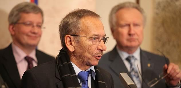 Senátor Kubera: Zeman vyhraje znovu. Chtěl zničit Sobotku a stačilo jen koukat, jak se ničí sám